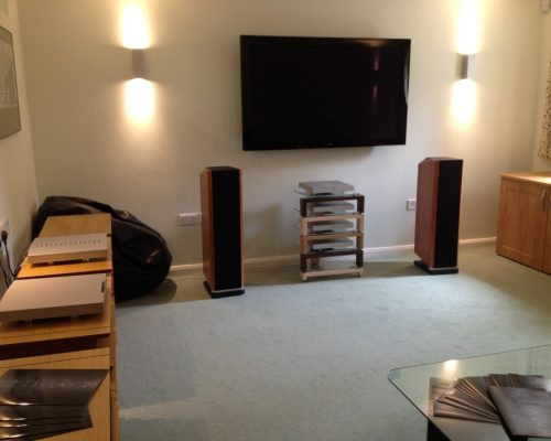 Kudos dealer Cymbiosis hosts a 'Titan-ic' weekend to mark the UK launch of our new Titan 606 & 707 loudspeakers